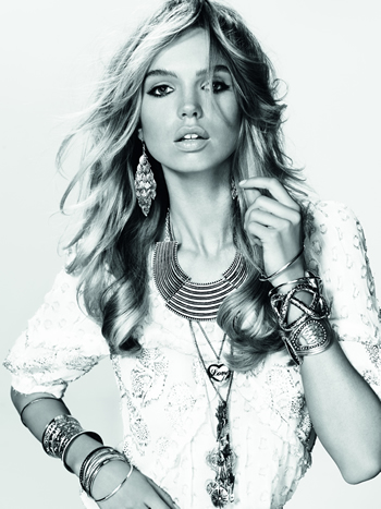 jewellery-accessorising-tips-glamour